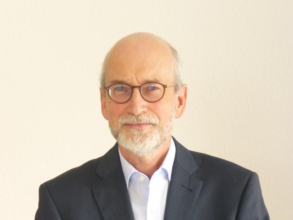 Dr. Joachim Ermer Pharmazeutische Analytik